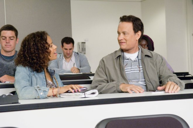 gugu-mbatha-raw-y-tom-hanks-en-larry-crowne