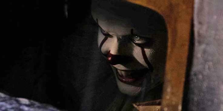 Bill-Skarsgard-as-Pennywise-in-IT-Movie-2017