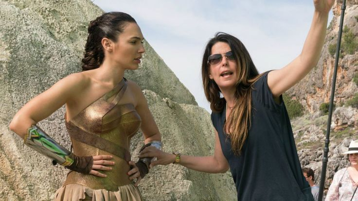 Patty-Jenkins-Wonder-Woman-DC-On-Set-2017-Stars-1024x576
