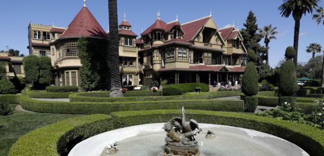 The-real-stroy-behind-the-Winchester-Mystery-House