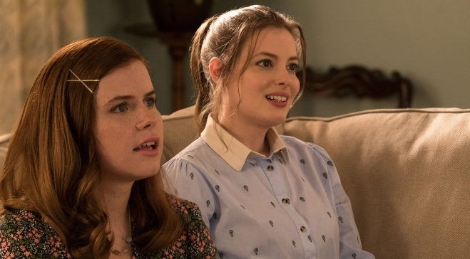 life-of-the-party-gillian-jacobs-jessie-ennis