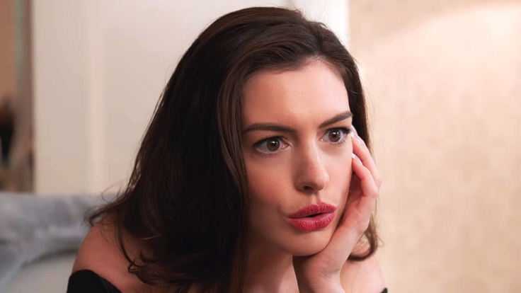 Still-of-Anne-Hathaway-from-Oceans-8-1