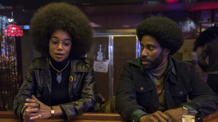 main-blackkkklansman-laura-harrier-john-david-washington-bar
